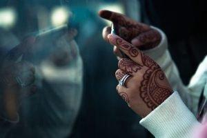 Curso de fotografía de viajes Pedro Talens - Manos tatuadas