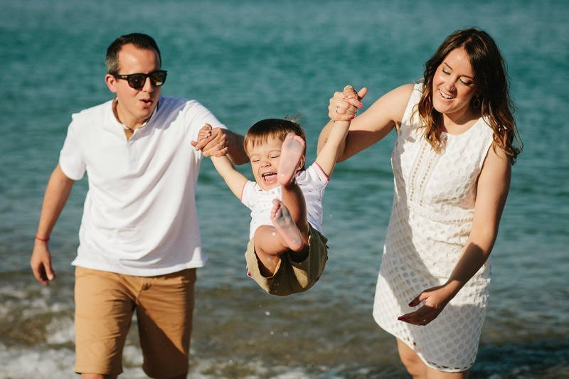 Sesiones de fotos en la playa para familias - Pedro Talens fotógrafo Valencia